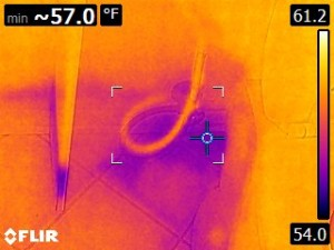 Infrared inspection - water leak detection bathroom floor